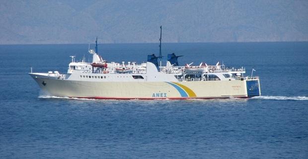 """Το πλοίο """"Πρωτεύς"""" συγκρούστηκε με σκάφος στη Σκιάθο"""