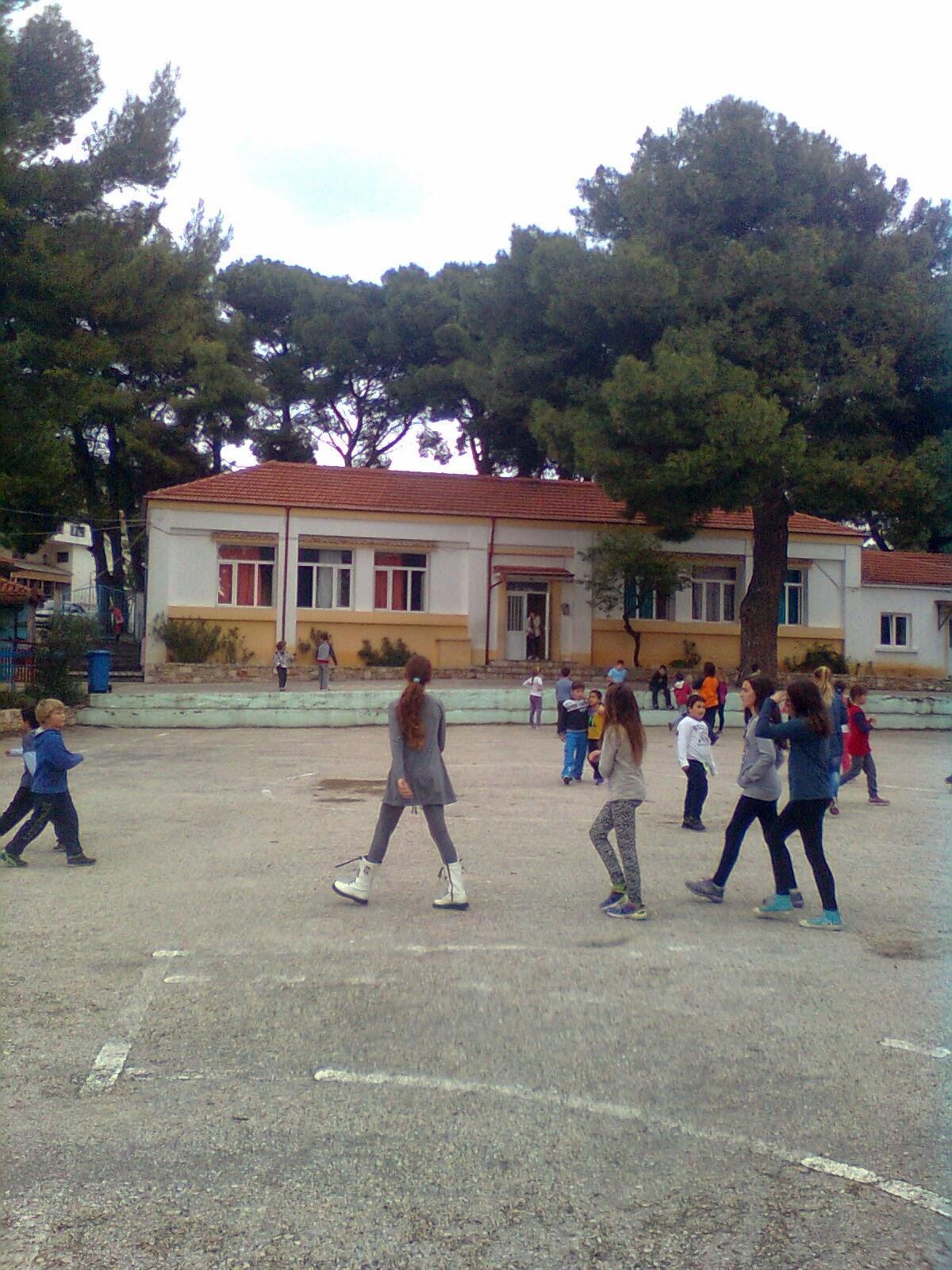 Το ποσό των 4.950 ευρώ στον Δήμο Αλοννήσου για δράσεις επισκευής και συντήρησης σχολικών κτιρίων.